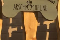Holzdeko Knochen als Tür / Torschild